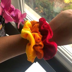 Accessories - 💫Set of 3 Hair Scrunchies